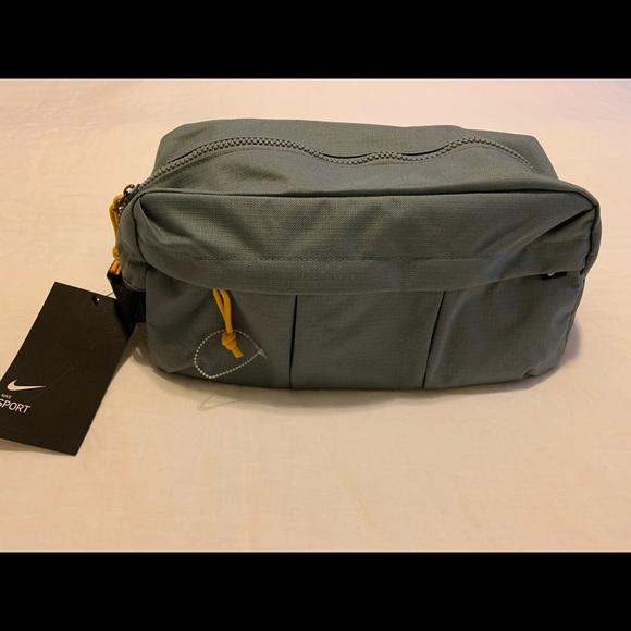 Nike Golf/Sport Shoe Tote Bag